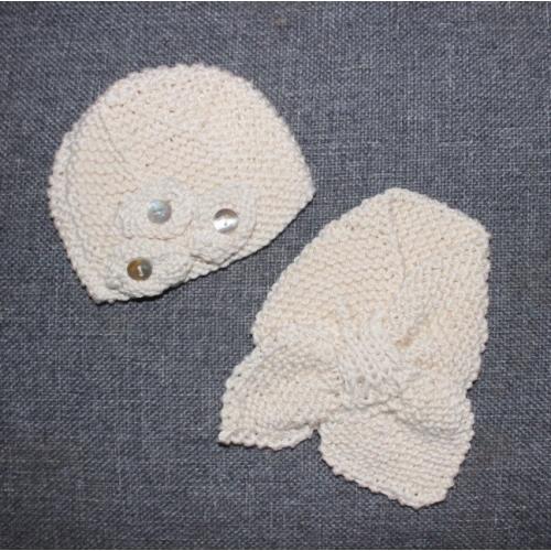 Ensemble bonnet écharpe tricotés main coloris GRIS poupée
