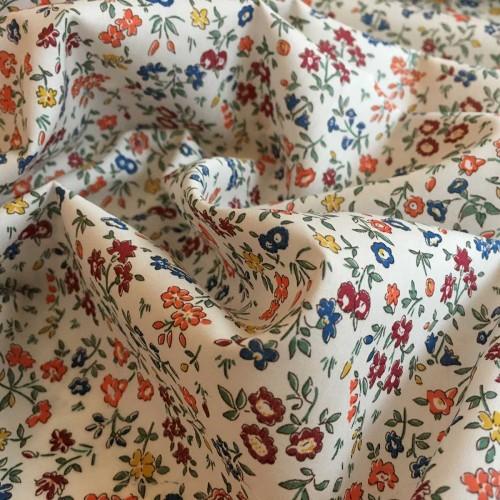 Tissu liberty fabrics tana lawn coton batiste fine Liberty Meadow sweet C coloris écureuil