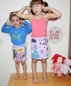 les jupes sont finies les filles sont contente et la motricite et cognitions aussi!